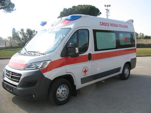 Vigevano: scontro fra auto e moto alla Sforzesca, ferito un centauro