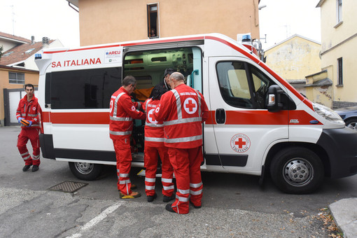Pavese: scontro fra furgone e moto, due feriti in gravi condizioni