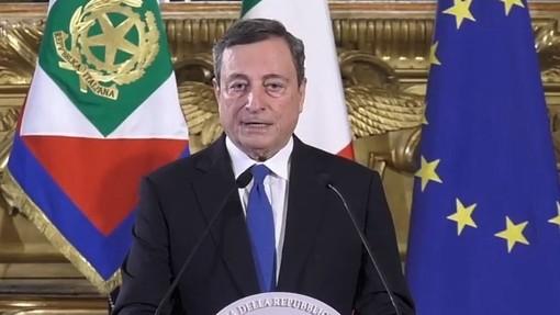 Draghi: «Riaperture sì, ma non posso ancora dire quando. Dipenderà dall'andamento vaccinale»