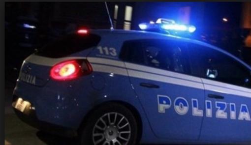 Pavia: viene allontanato da un locale poi in auto investe tre giovani e tenta la fuga. Arrestato dalla Polizia stradale