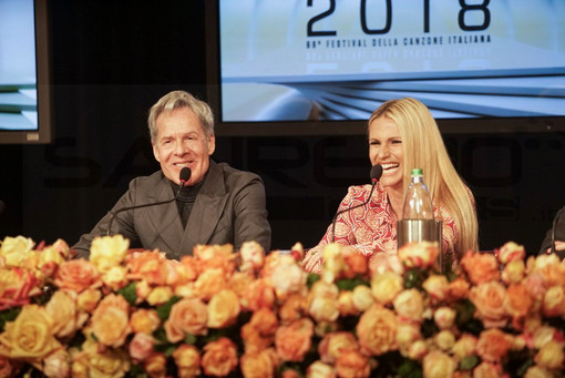 Sanremo 2018, Claudio Baglioni presenta Michelle Hunziker e Favino: prime dichiarazioni ufficiali
