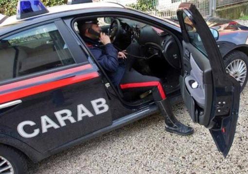 Mortara: ragazzina spinge a terra un'anziana in corso Cavour, intervengono i carabinieri