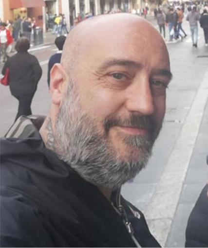 L'addio a Beppe, morto a 44 anni