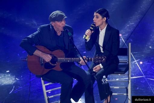 Emozione e applausi per il duetto di James Taylor e Giorgia