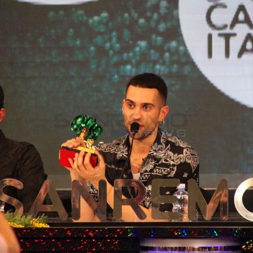 """#Sanremo2019: """"Sono italiano al 100%, nato in Italia e cresciuto in Italia"""", Mahmood festeggia la vittoria e respinge le prime polemiche"""