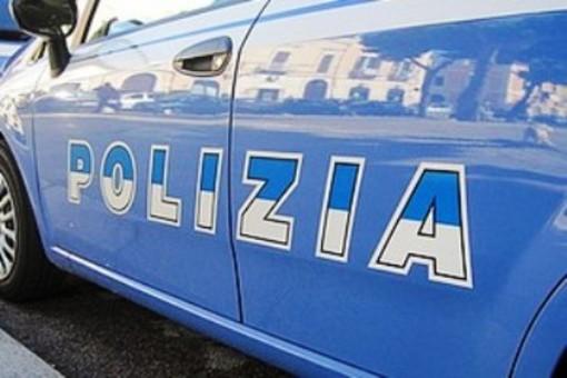 Pavia: vetrina in frantumi per un petardo alla vigilia di Natale, identificato e denunciato l'autore