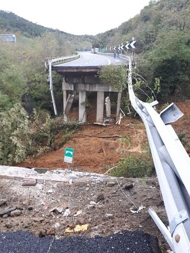 Autostrada A6 Torino-Savona: dopo il crollo del viadotto, seriamente a rischio anche l'altra corsia