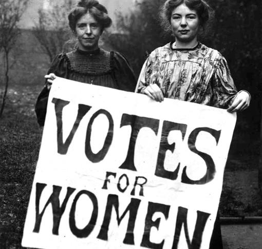 Le Suffragette spengono 100 candeline