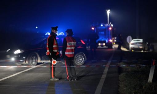 Agguato e sparatoria in strada: un morto e un ferito