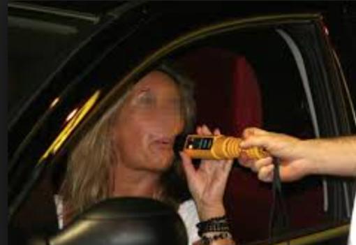 Sbanda in autostrada: nel sangue alcol 4 volte più del consentito