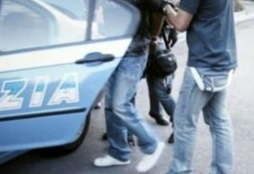 Vigevano: rapina l'incasso del discount, in manette un 35enne
