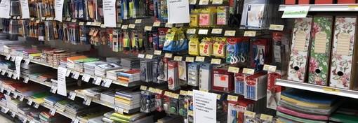 Il decreto non lascia dubbi: stop a cancelleria e giocattoli nei supermercati, possibile vendere semi, piante e fiori
