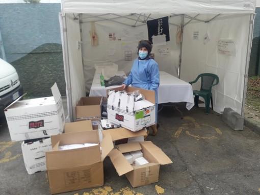 Magliette e indumenti per i ricoverati all'Ospedale Maggiore di Novara