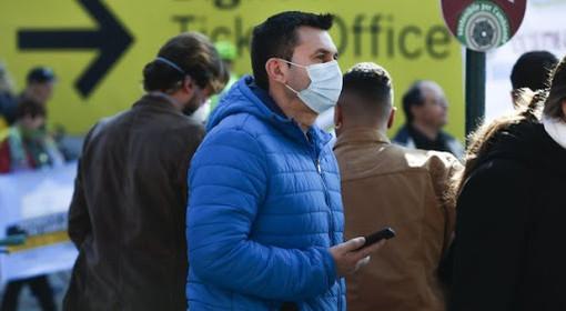 Coronavirus, le mascherine vanno a ruba? Azienda novarese riprende la produzione dopo 15 anni