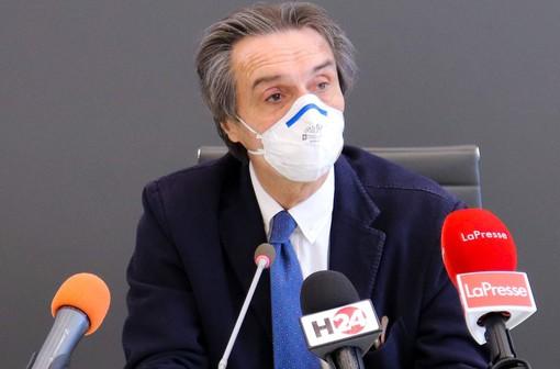 Fontana: «L'uso delle mascherine ha evitato 78mila contagi. Ecco perché l'obbligo resta sino al 30 giugno»