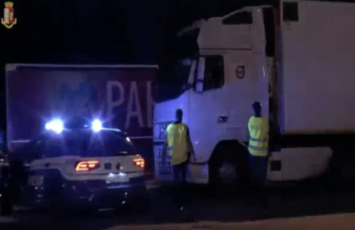 """Sgominata la """"banda dei Tir"""": 10 persone arrestate e 6 denunciate - IL VIDEO"""