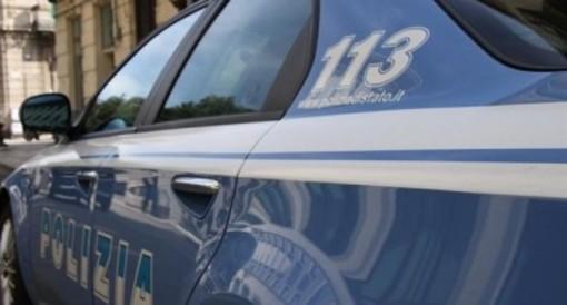 Vigevano: infastidisce i passanti in via del Popolo e poi aggredisce un agente di polizia