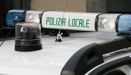 Vigevano: cani abbandonati su un balcone in strada della Tocca, liberati dalla Polizia locale