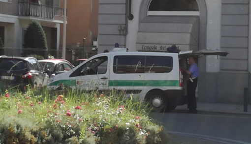 Vercelli: Agli arresti domiciliari in un alloggio occupato abusivamente