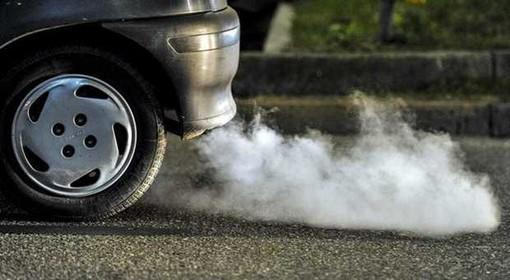 Covid-19 e qualità dell'aria, Cattaneo: «Il traffico non è la principale causa di inquinamento»