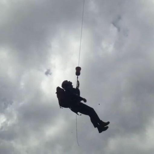 Trascinato da una valanga per 200 metri, muore sotto gli occhi del fratello a Cortina