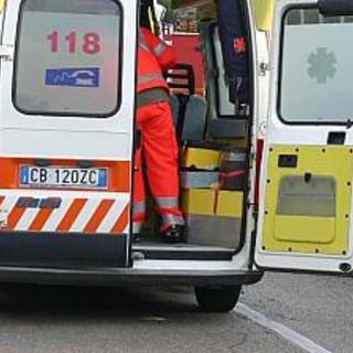 Cergnago: si ribalta con l'auto per evitare un animale, ferito un 50enne