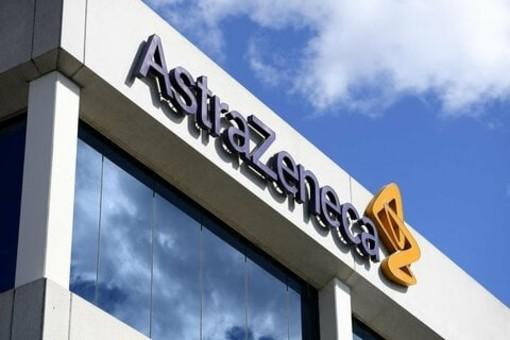 Il vaccino Astra Zeneca, che sarà prodotto in Italia, ha efficacia media del 70%