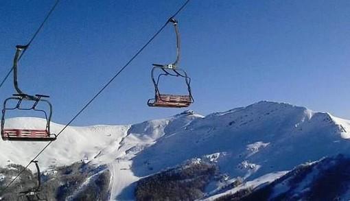 Sugli sci con la mascherina ma è scontro governo-Regioni