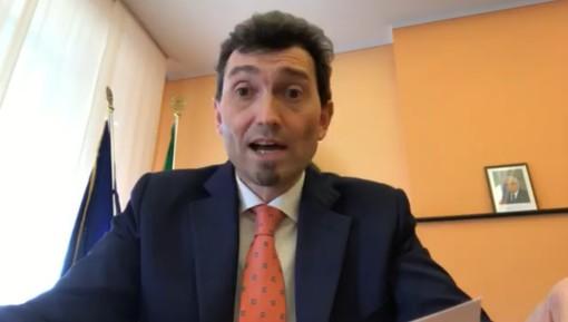 """VIDEO. Vigevano, l'annuncio del sindaco Sala: """"Nei prossimi giorni la delibera di sospensione temporanea delle """"strisce blu"""", verrà istituito il posteggio con il disco orario"""""""