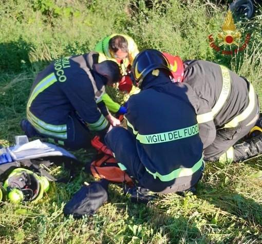 Oltrepò: si ribalta con il trattore in Val di Nizza, gravemente ferito un anziano