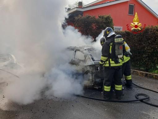 Stradella: incendio distrugge un auto in via san Lodovico