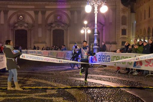 FOTOGALLERY – Vigevano: gran successo per la Scarpadoro di Capodanno