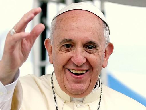 Papa Francesco favorevole alle unioni civili per le coppie omosessuali