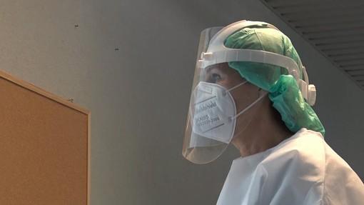Coronavirus: risalgono i decessi, più della metà sono in Lombardia