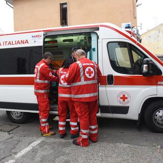 Castello d'Agogna: scontro auto sulla ex statale 494, coinvolte 3 persone