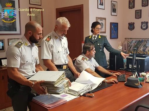 Vigevano: peculato e bancarotta fraudolenta, 5 indagati tra cui il sindaco