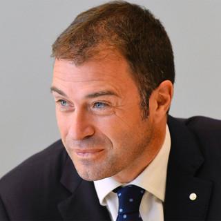 Antonio Rossi ricoverato per un infarto durante una gara podistica e operato a Como