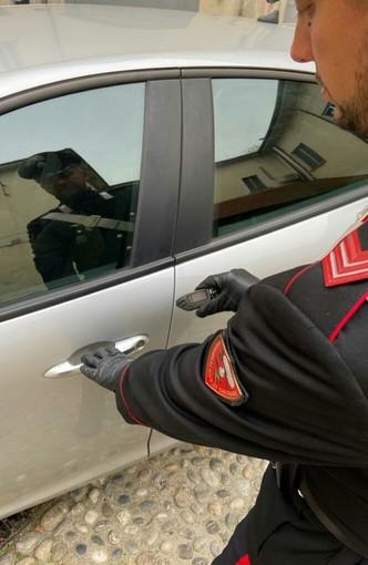 Pavia: con un'apparecchiatura elettronica tentano di aprire le auto parcheggiate, arrestate due persone