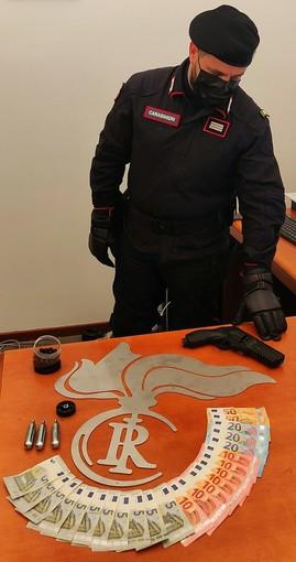 Casorate Primo: minacciano con una pistola a gas il titolare di una farmacia per farsi consegnare l'incasso, un arresto e una denuncia