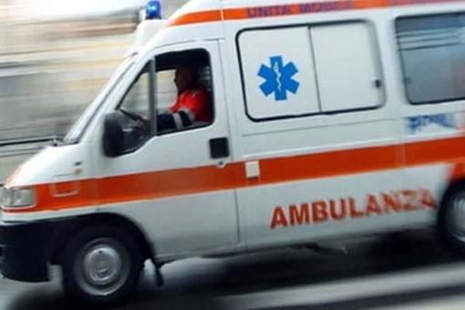 Confienza: scontro fra auto e quad in paese, ferito un 47enne