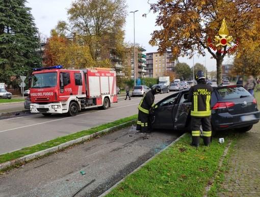 Pavia: scontro in via Montebello, una delle due auto coinvolte si ribalta