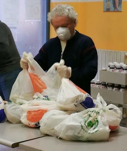 Torino, aumentano le richieste di cibo alla 'Mensa dei Poveri'