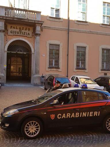 Pavia: rubano alle auto parcheggiate fuori dall'oratorio, arrestate due persone
