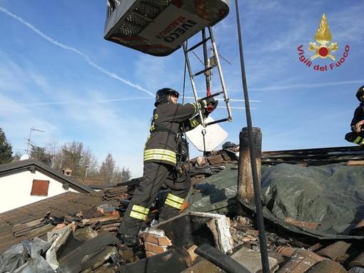 Pavese: in fiamme una canna fumaria a Torre d'Isola, intervengono i vigili del fuoco