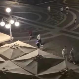 Vigevano, atti di teppismo nella notte in Piazza Ducale: vandalizzati i dehors di alcuni locali