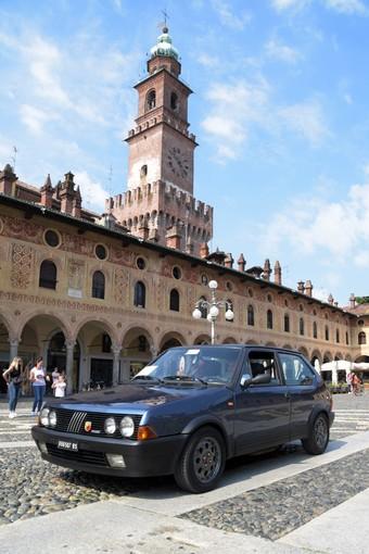 Festa di auto storiche a Vigevano per l'11° memorial Francesco d'Ambrosio