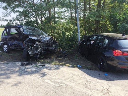 Mede: frontale fra due auto, interviene l'elisoccorso