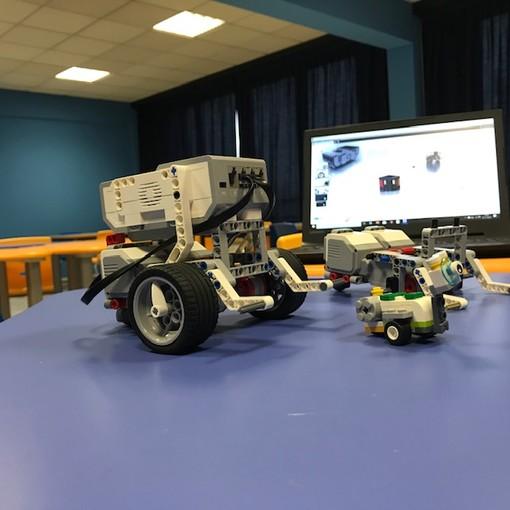Vigevano: alla media Robecchi si studia con i robot