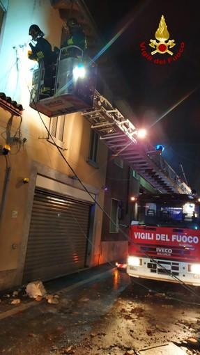 Tromello: crolla parzialmente una palazzina in via Salvadeo, evacuate 2 persone