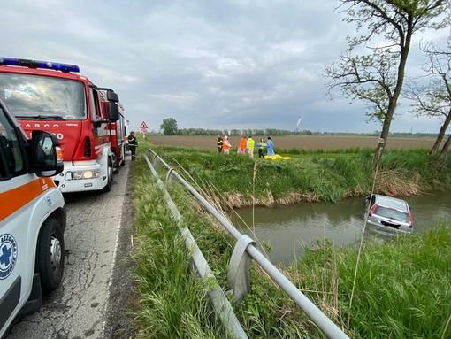 Castello d'Agogna: finisce con l'auto in un fosso sulla ex statale 494, perde la vita un 82enne